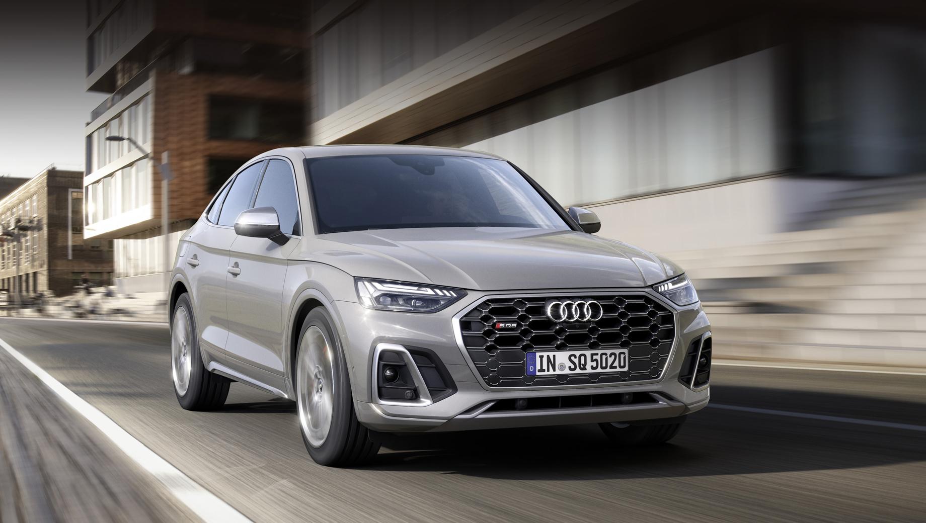 Audi q5,Audi q5 sportback,Audi sq5,Audi sq5 sportback,Audi sq5 sportback tdi. Визуально SQ5 Sportback TDI следует за собратом SQ5 и щеголяет расширенными воздухозаборниками, а ещё вставками в бамперах под матовый алюминий. Опции: матричные фары Matrix LED и «цифровые» фонари на органических диодах Digital OLED.