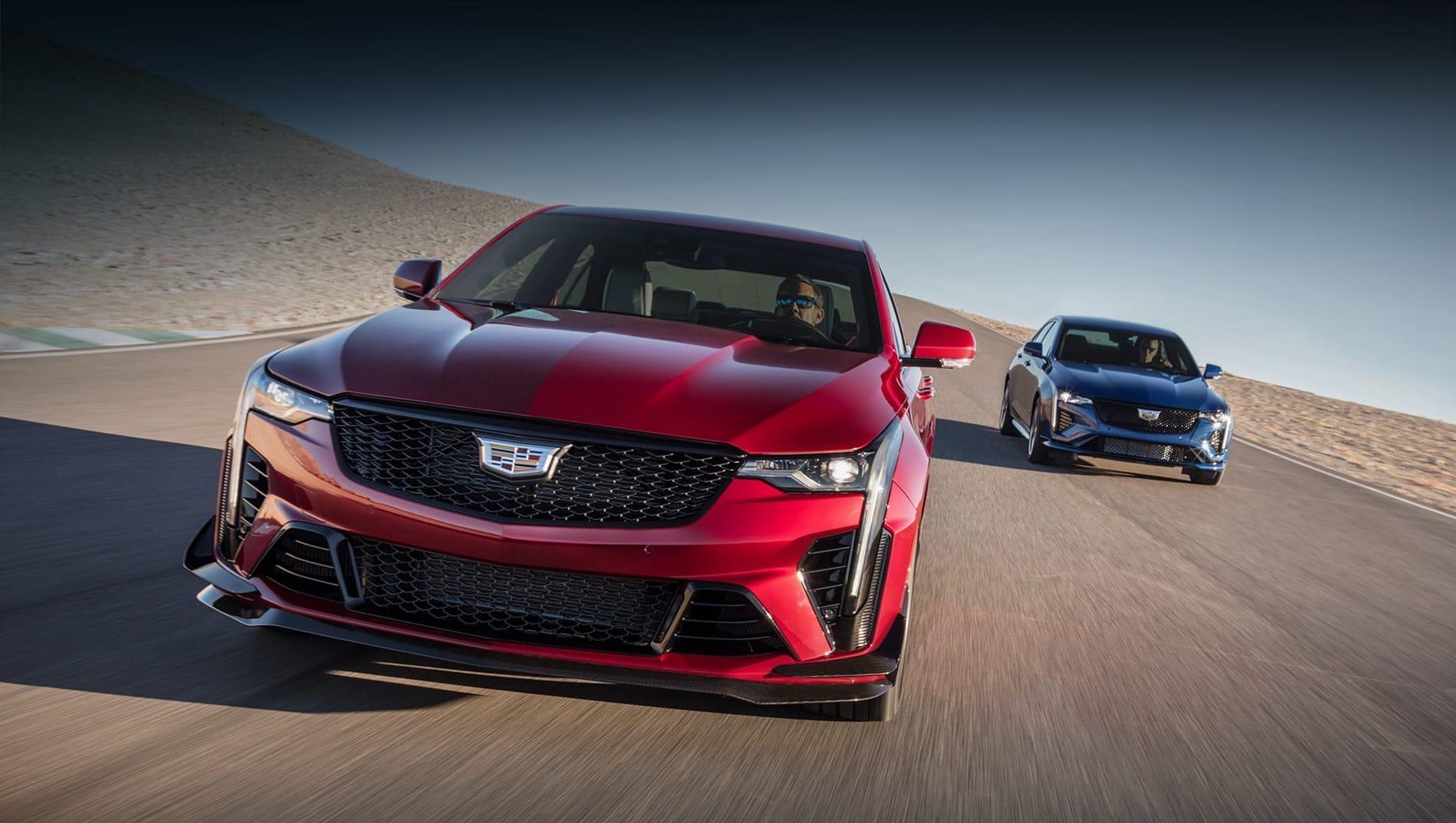 Cadillac ct4-v,Cadillac ct4-v blackwing,Cadillac ct5-v,Cadillac ct5-v blackwing. Серию Blackwing выдают более крупные воздухозаборники и развитое углепластиковое оперение, включая огромный спойлер на крышке багажника. Кованые алюминиевые колёса на CT4 обуты в шины Michelin Pilot Sport 4S размерностью 255/35 ZR18 спереди и 275/35 ZR18 сзади.