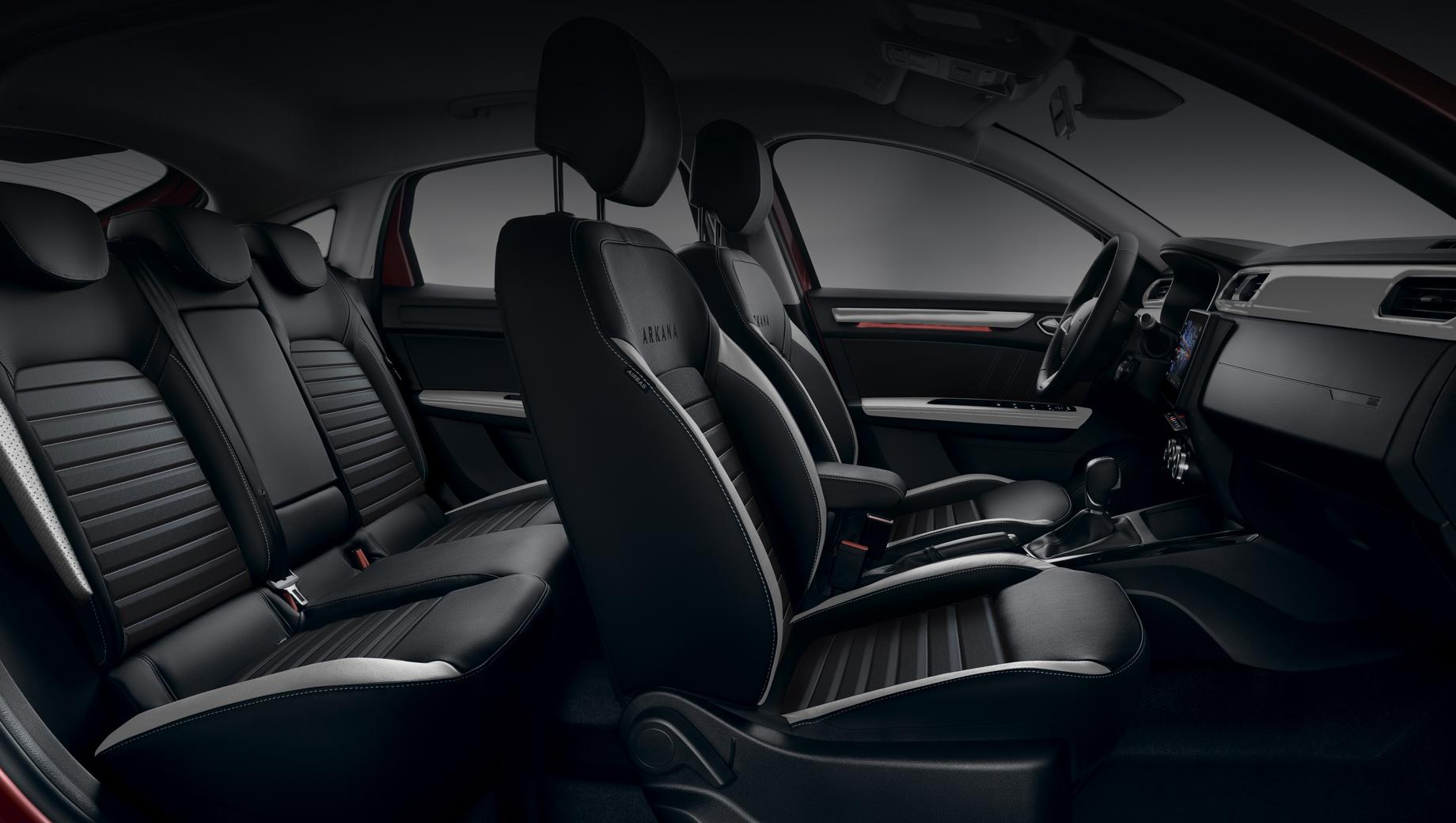 Renault arkana. Prime изначально хорошо оснащён. Среди прочего, тут есть электрохромное зеркало заднего вида с автоматическим затемнением, наружные зеркала с электроприводом, обогревом и автоматическим складыванием, подогрев задних сидений, шторки безопасности.