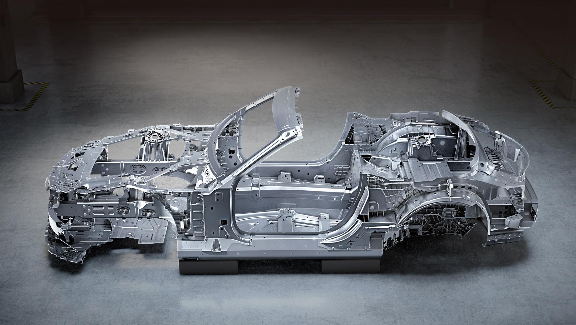 Mercedes sl,Mercedes -amg,Mercedes -amg sl. Разработчики называют эту основу родстера пространственным каркасом, совмещённым с несущей конструкцией. Выпускать модель будет тот же завод в Бремене, что отвечал за предшествующий SL.