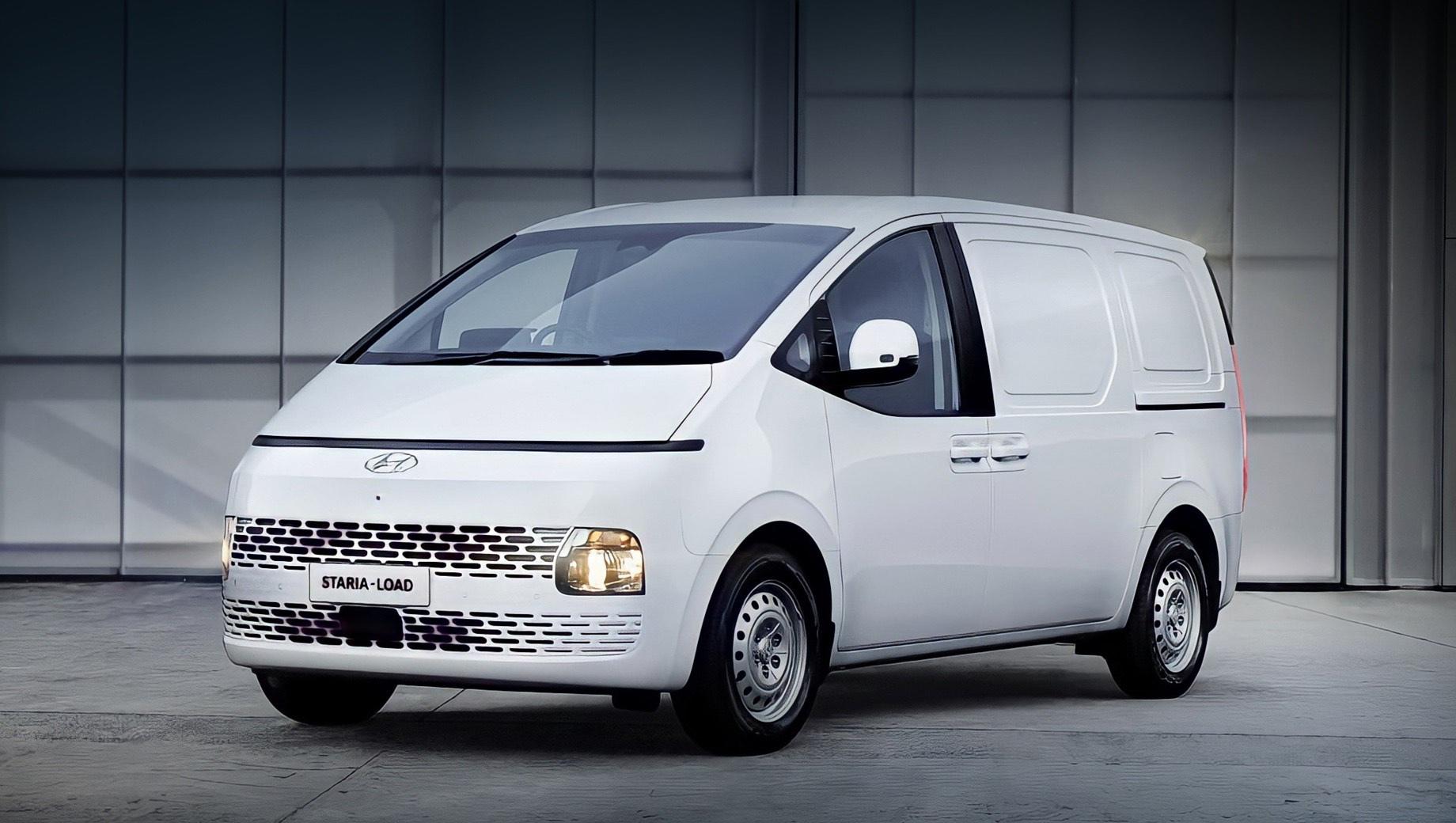 Hyundai staria,Hyundai staria load. В новом исполнении Staria лишилась диодных фар и дизайнерских дисков (доступны только стальные 17-дюймовые). Грузовая модификация названа Staria-Load, поскольку предшественник Hyundai H-1 носит в Австралии имя Hyundai iLoad. Для кузова предусмотрено всего два цвета: белый и серый.