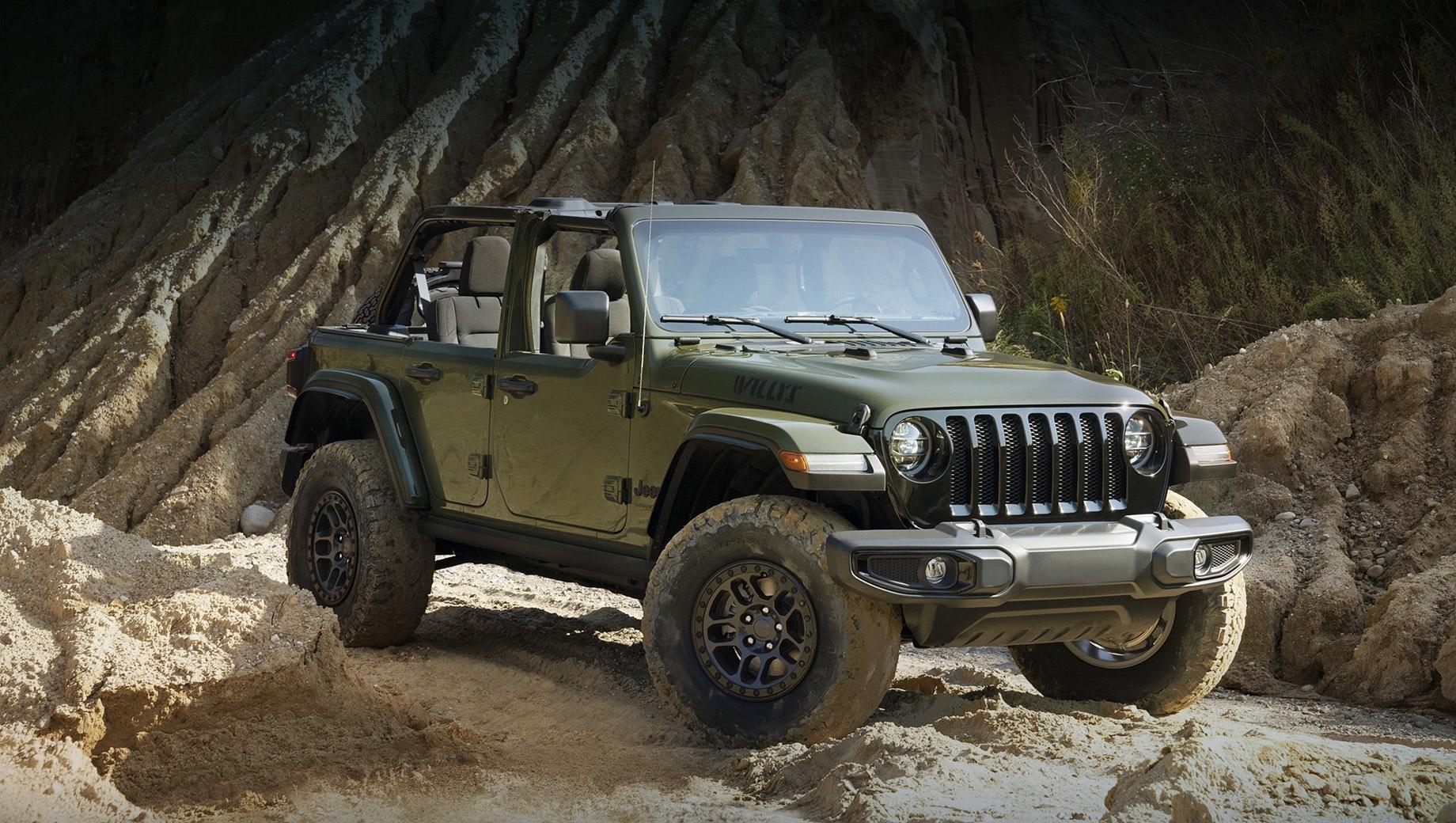 Jeep wrangler. Wrangler с клиренсом в 12,9 дюйма (328 мм) задуман как сюрприз для фестиваля Detroit 4Fest, который пройдёт 25–26 сентября в деревне Холли. Исполнение Willys наряду с цветом хаки (Sarge Green) окрашивается ещё в восемь оттенков с теми же наклейками на капоте.
